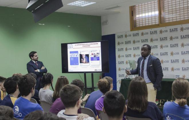 Una de la sesiones de la Olimpiada Financiera celebradas del Proyecto Edufinet de Unicaja.