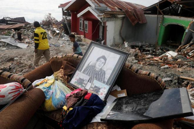 Al menos tres muertos tras otro terremoto de magnitud 6 en Indonesia