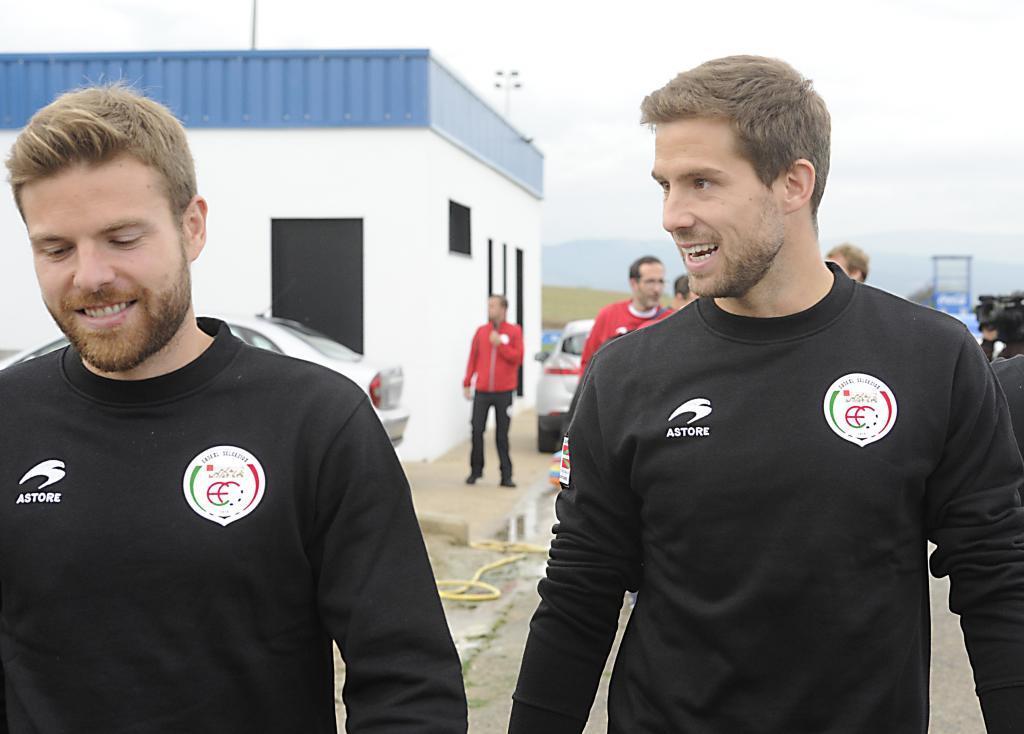 Illarramendi e Iñigo Martínez, durante un entrenamiento de la selección vasca.