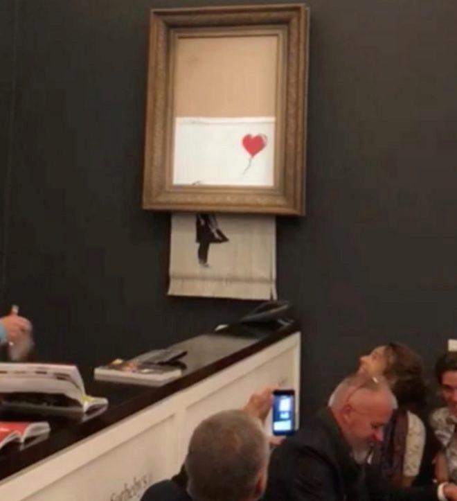 La mujer que compró el Banksy triturado tras la subasta se lo quedará