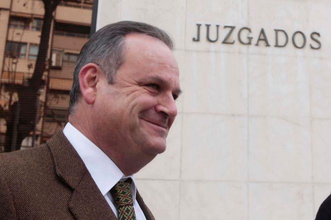 El expresidente de VOX en Granada será juzgado por estafa y apropiación indebida