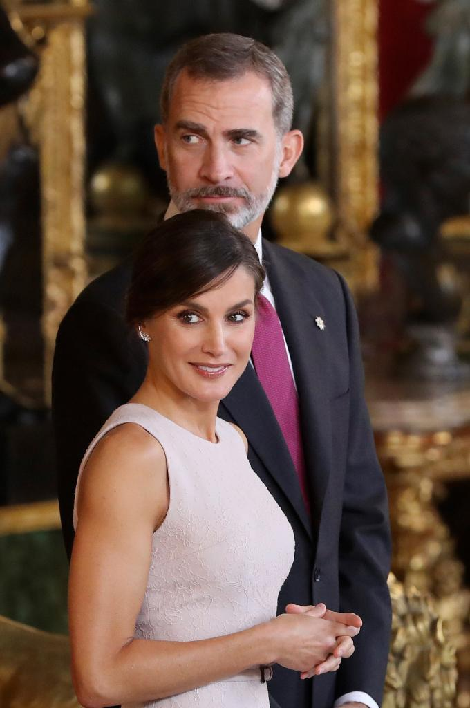 Los reyes, al inicio de la recepción en el Palacio Real.