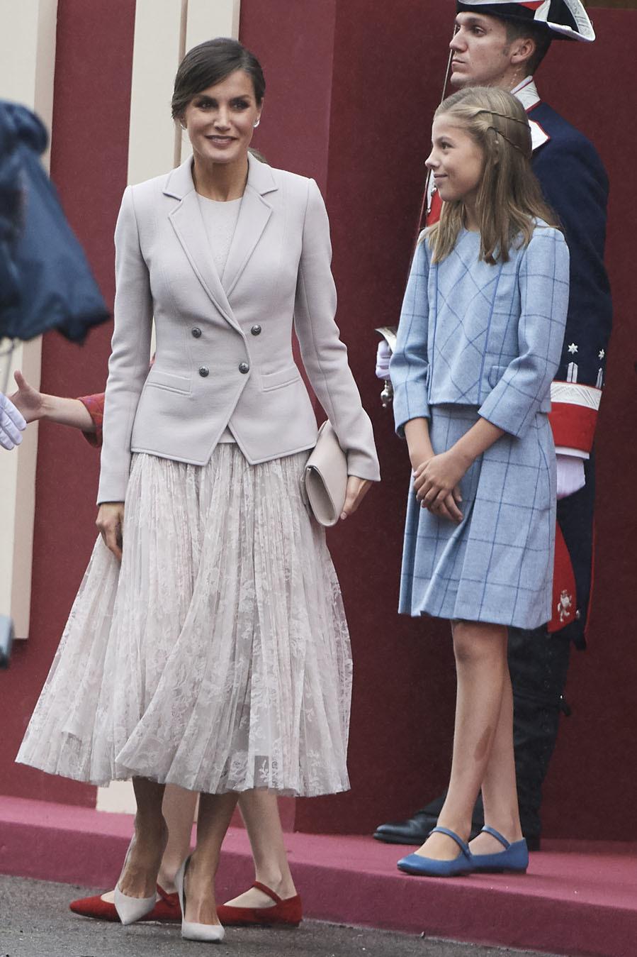 A pesar de que el día era nublado, la Reina ha decidido dar una nota...