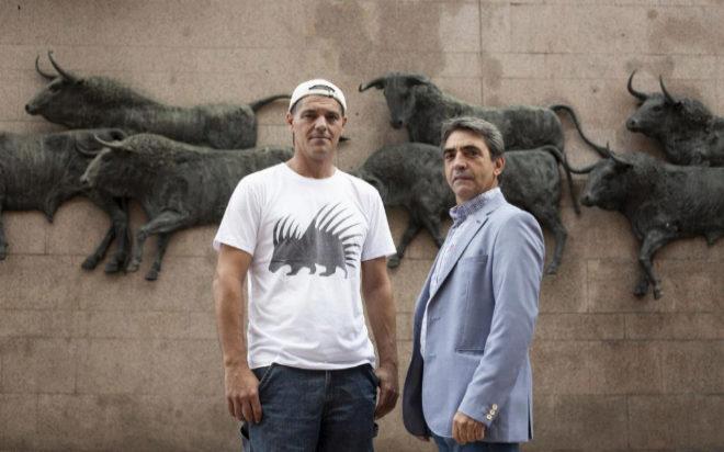 Frank Cuesta y Victorino Martín, junto a Las Ventas.