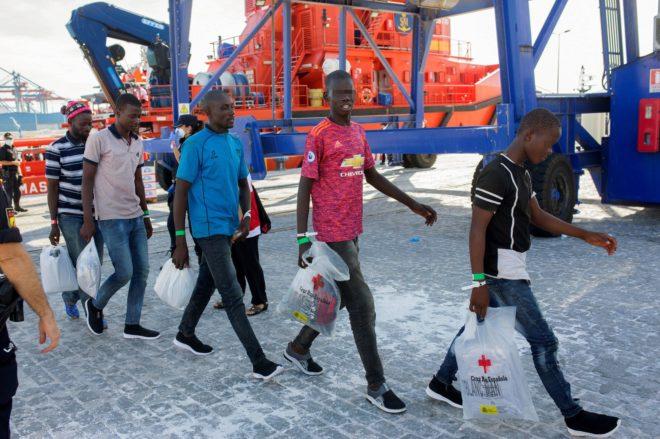 Más de 1.100 inmigrantes han sido rescatados este fin de semana procedentes de 65 pateras - Página 2 15393725023255