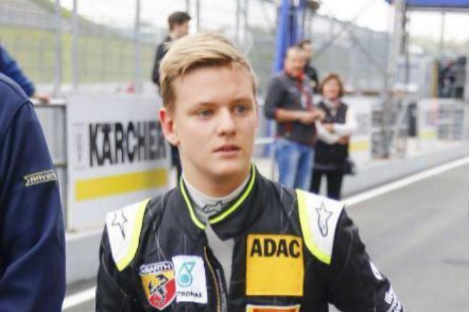 Mick Schumacher en una carrera en 2015 en el circuito de Oschersleben