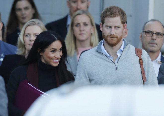 Los duques de Sussex, a su llegada al aeropuerto australiano de Sídney.