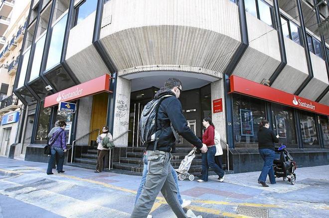 Banco Santander premia el traspaso de pensiones con aportaciones bonificando hasta un 5%