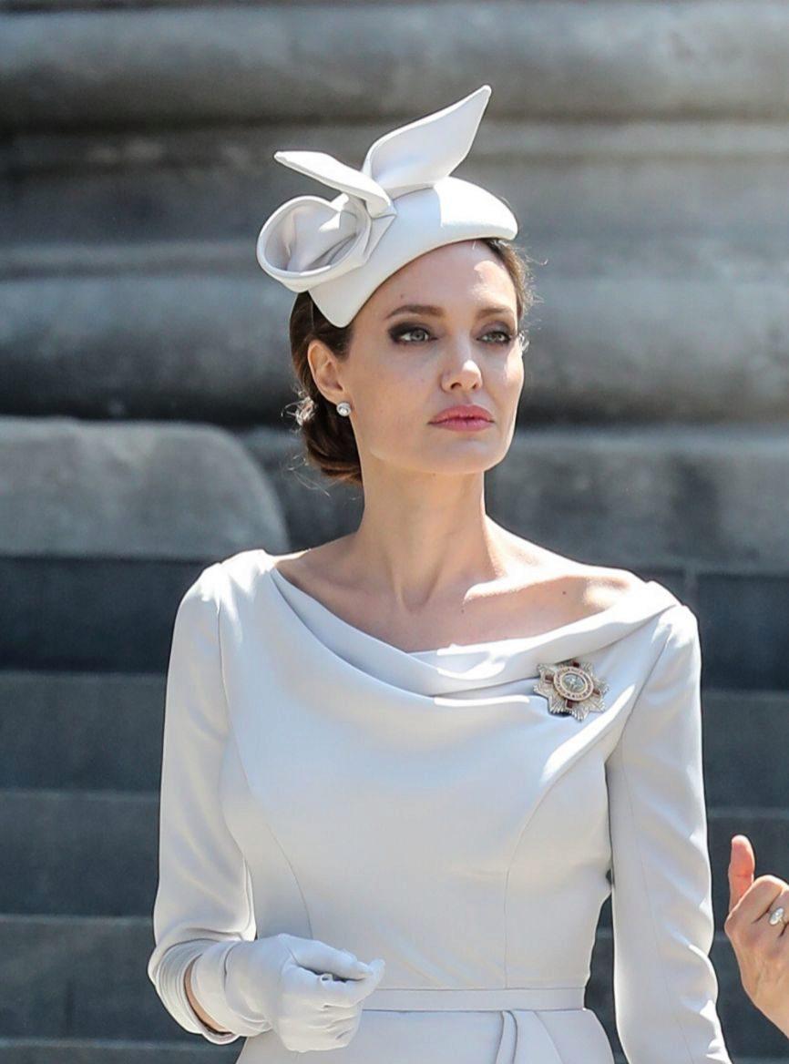 Angelina Jolie y Keanu Reeves podrían ser la nueva pareja de Hollywood