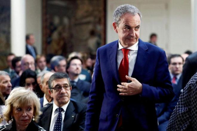 Zapatero, acusado de representar a