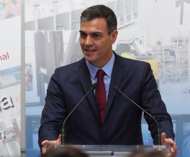 El presidente del Gobierno, Pedro Sánchez, durante la visita...
