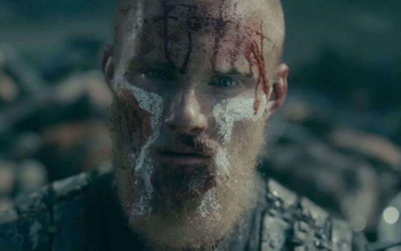 Bjorn, protagonista e hijo de Ragnar Lothbrok, en una de las imágenes...
