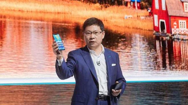 La gran innovación de Huawei, un móvil que parece un Tablet por 900 euros