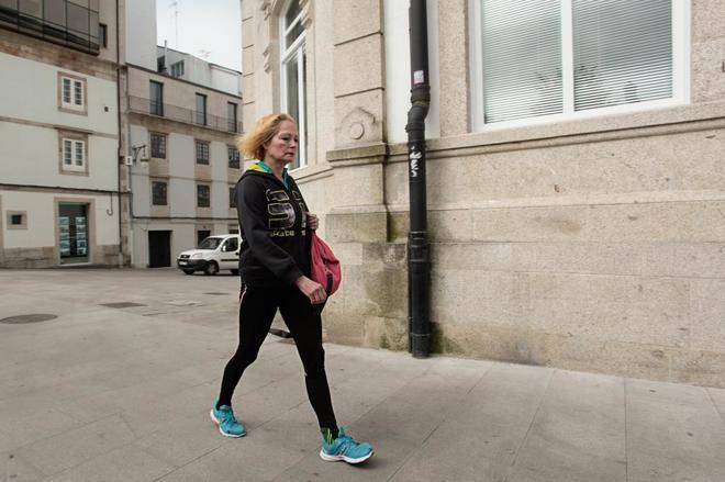 La juez pitonisa, María Jesús García, de 55 años, camina por las...