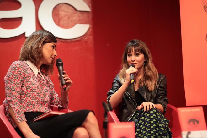 Aitana Ocaña, junto a Sandra Barneda durante la presentación de 'La...