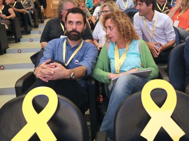 Ester Capella junto al president del Parlament Roger Torrent, en una foto de archivo