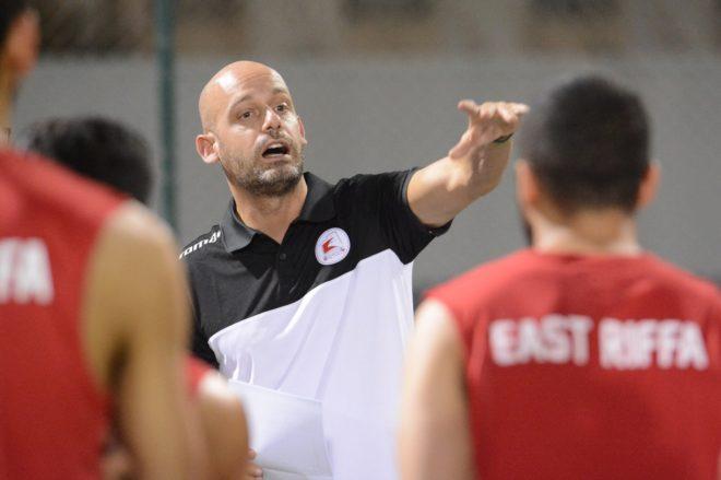 Pedro Gómez Carmona, técnico del East Riffa de Bahréin, durante un entrenamiento de este curso.