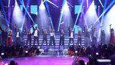 Los concursantes de 'Operación Triunfo 2018' durante la canción...