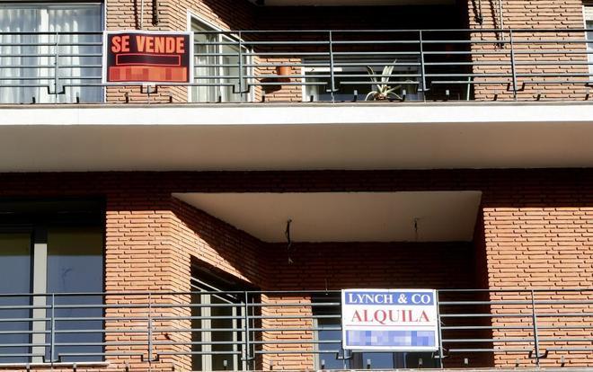 Un edificio con viviendas en venta en Madrid.