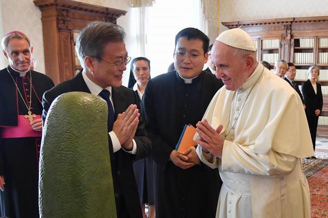 El Pontífice recibe al presidente surcoreano, Moon Jae-in, en el Vaticano.