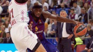 Tomic y Pangos, para el primer triunfo del Barcelona