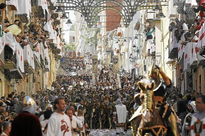 Las fiestas de Moros y Cristianos de Alcoy, más cerca de ser Bien ...