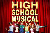 Los actores de 'High School Musical' en el cartel de la película.