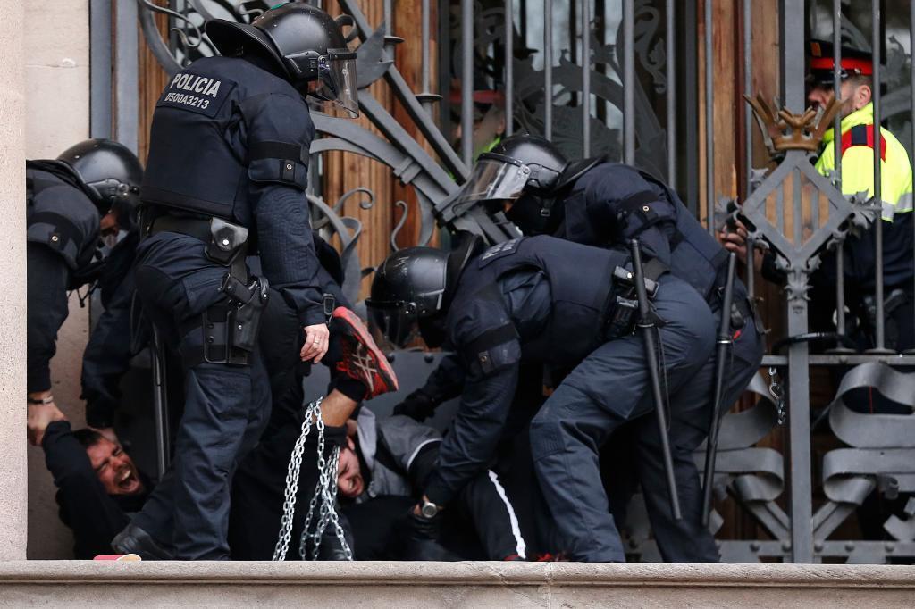 Imagen de la operación policial frente al TSJC