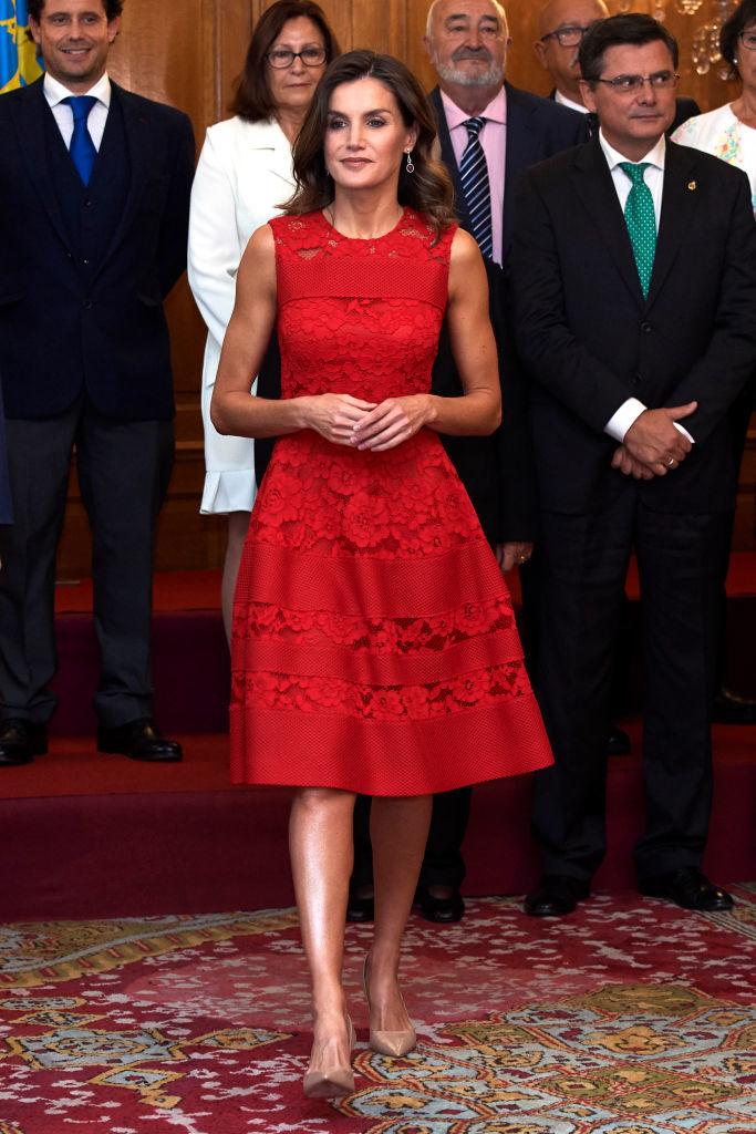 Letizia con vestido rojo de Carolina Herrera