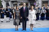 Los 'looks' de ambas reinas eran muy diferentes, Letizia se decantó...
