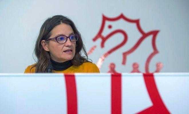 La vicepresidenta delConsell, Mónica Oltra, ayer en rueda de prensa.