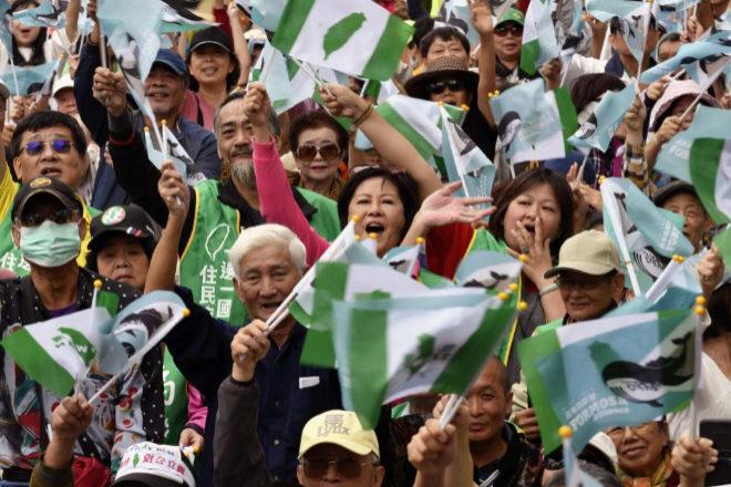 Independentistas de Taiwán se manifiestan para pedir un referéndum...