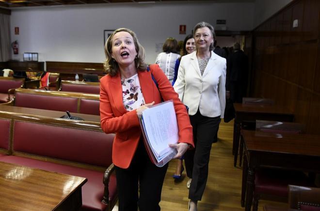 La ministra de Economía, Nadia Calviño, en la Comisión de Economía del Senado