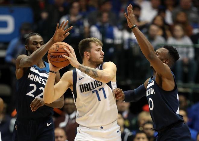 La primera gran noche de Luka Doncic en la NBA: 26 puntos y victoria ante los Timberwolves