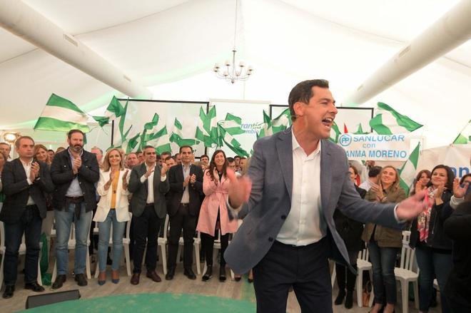 El candidato a la Junta por el PP, Juan Manuel Moreno, este domingo en El Puerto.
