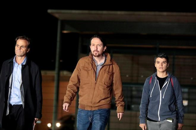 Pablo Iglesias hablará por teléfono con Puigdemont tras su reunión con Junqueras
