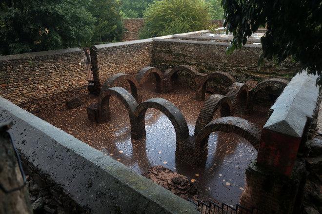 El temporal inunda los baños árabes de Ronda, los mejor conservados de España
