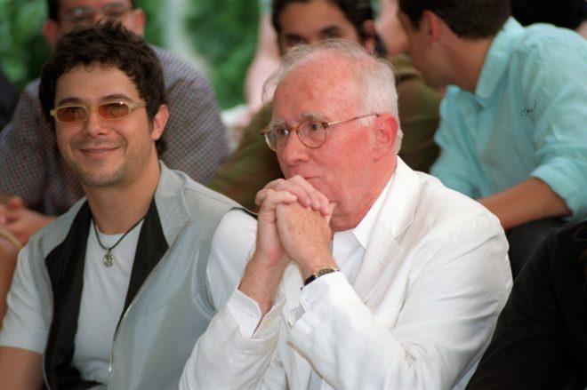 Alejandro Sanz y Teddy Bautista, juntos en un acto de SGAE en 2001.