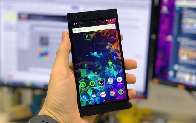 El Razer Phone 2 es un teléfono raro, pero con una pantalla muy interesante