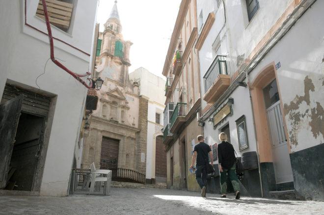 La Cuesta de Jabonería de Cádiz, donde murió el enfermo mental en 2015 tras ser reducido por policías.