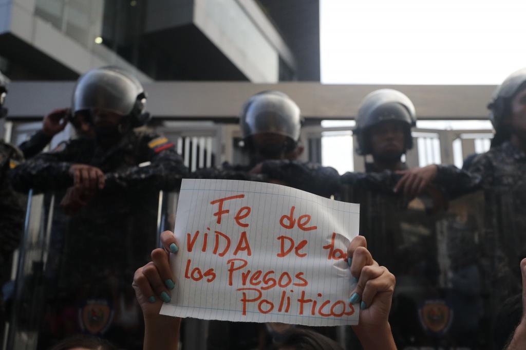 La revolución bolivariana, a la caza de tuiteros