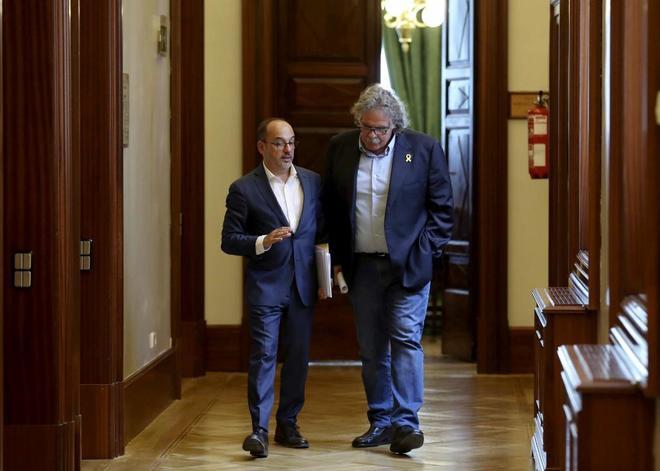 Los portavoces del PDeCAT y ERC, Carles Campuzano y Joan Tardà, a la salida de la Junta de Portavoces.