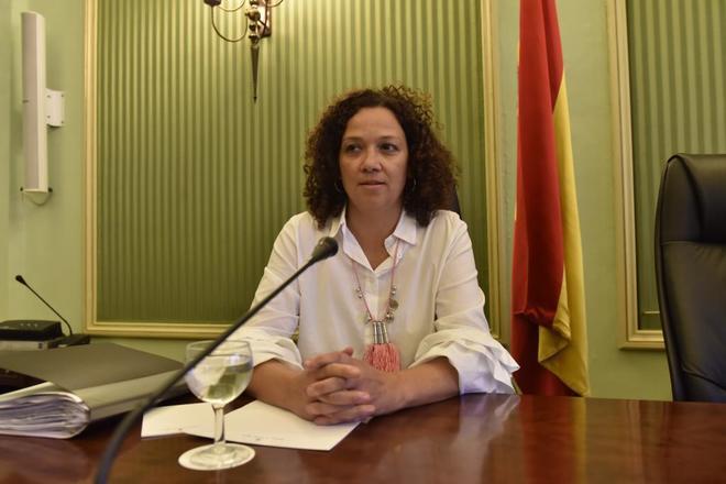 La consellera Catalina Cladera, ayer, en el Parlament.