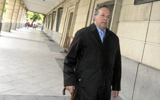 El ex presidente de Invercaria Tomás Pérez-Sauquillo, llegando a los juzgados de Sevilla.