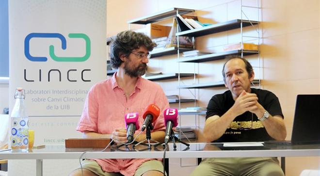 Pau de Vílchez y Damià Gomis, miembros del Laboratorio Interdisciplinario de Cambio Climático de la UIB.