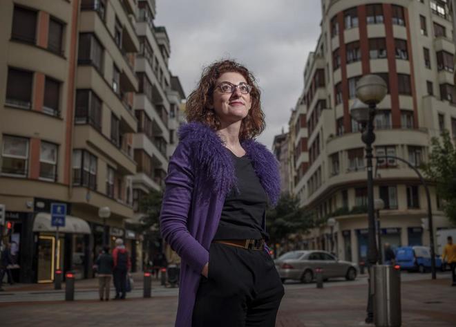 Maite Pagazaurtundúa, en una calle de Bilbao.