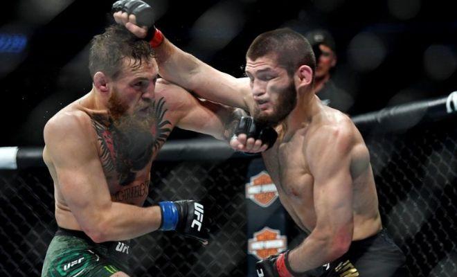 Nurmagomedov y McGregor, durante su pelea en Las Vegas.