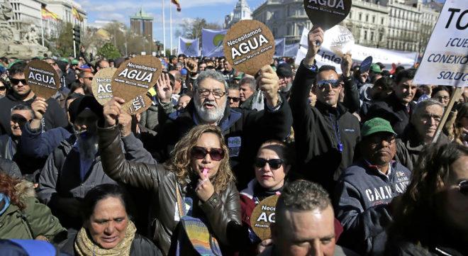 Manifestacion de agricultores de Murcia, Almeria y Alicantes pidiendo...