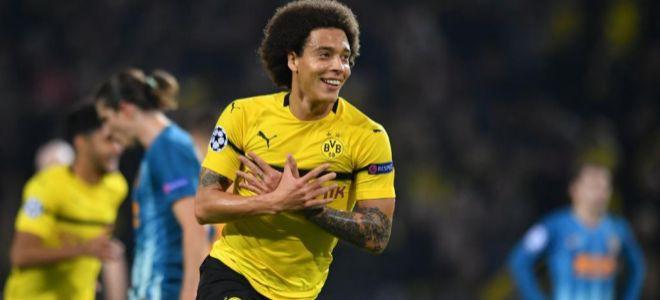 Witsel festeja el primer gol de la noche para el Dortmund.