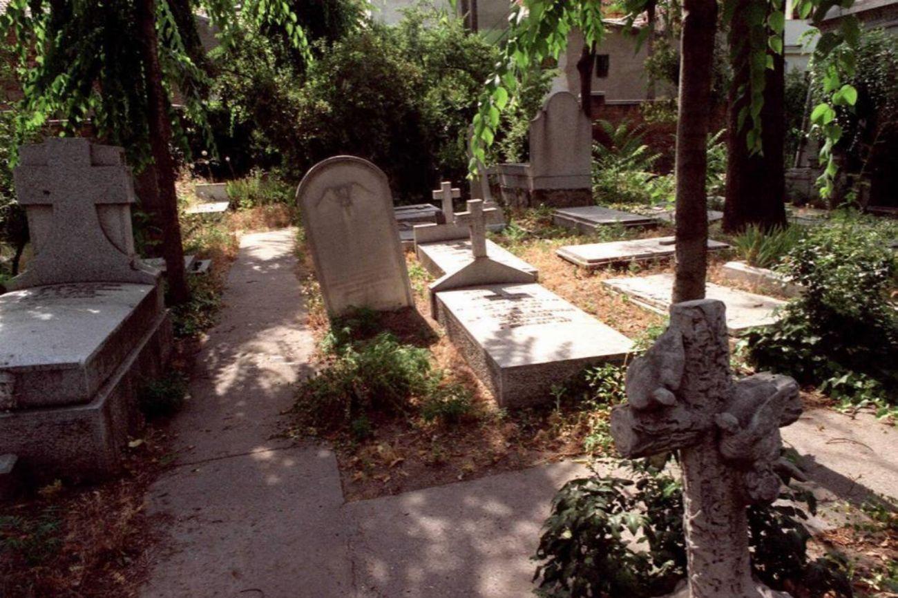 Los Cementerios Mas Curiosos De Madrid Otros Planes